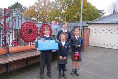 Primary school children remember our fallen