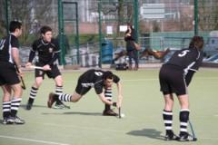 Hockey: Defeat delays title decision