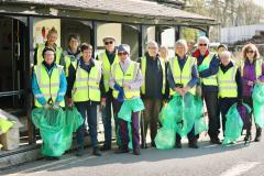 Volunteers declare war on litter