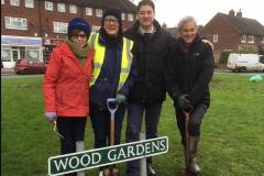 1000 bulbs planted to brighten up Wood Gardens