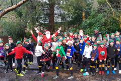 Elves on the run for local hospice