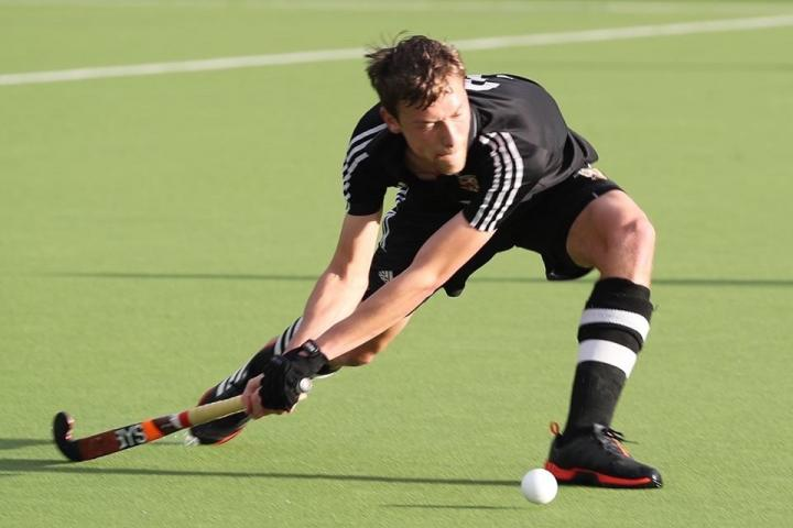 Chris Cook score for the Mens 1s